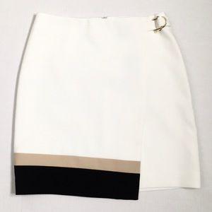 ✨NWT✨White House Black Market   Ecru Mini Skirt